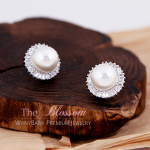 Round Pearl Earring[The Blossom]