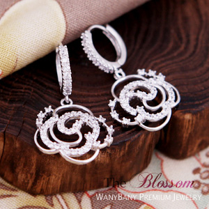 Silver Camellia Earring  ■ The Blossom ■